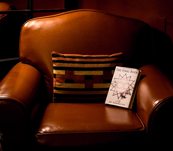 The Final Book: Gods - Leather Chair